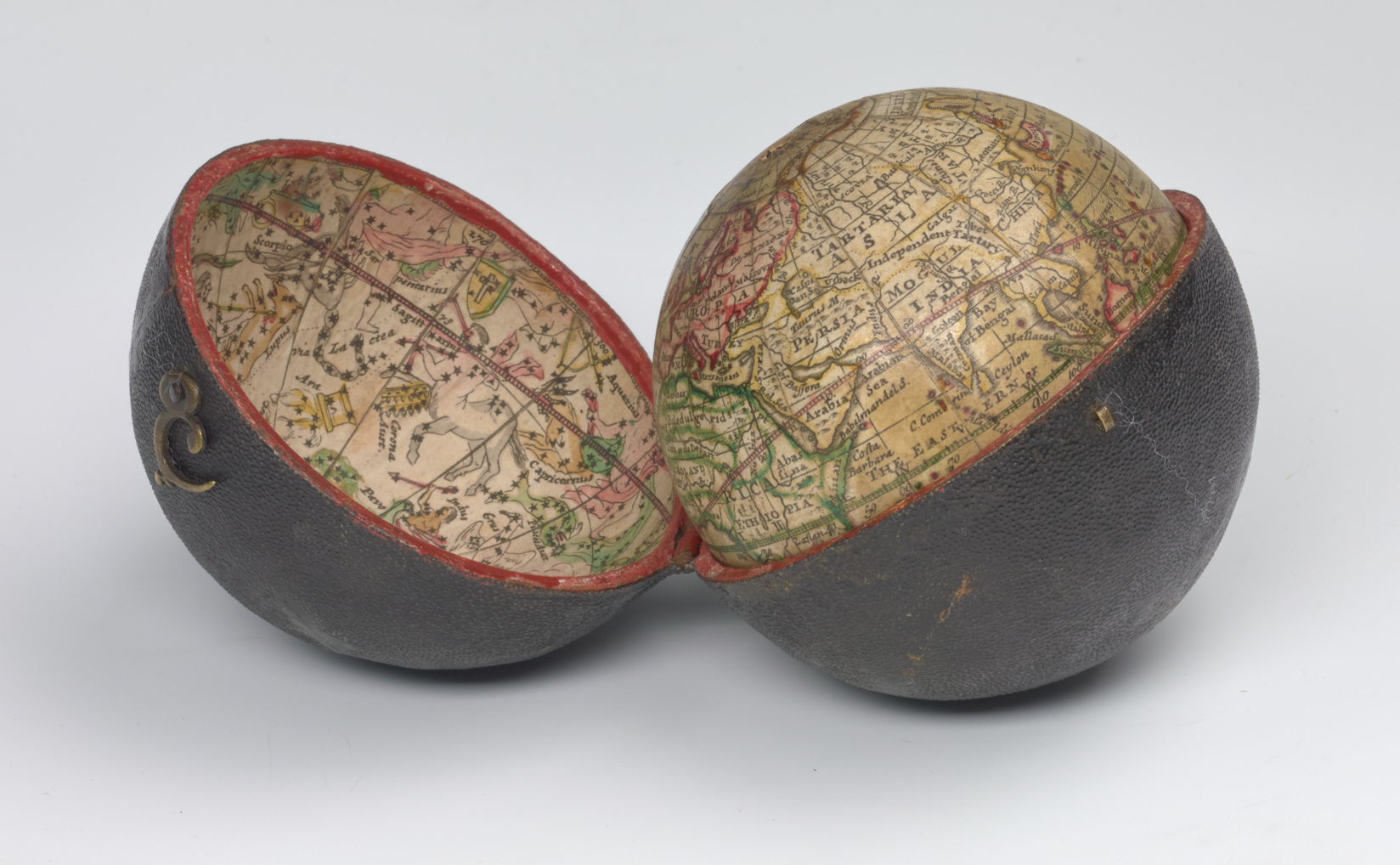 A correct globe with the new discoveries, ca 1775